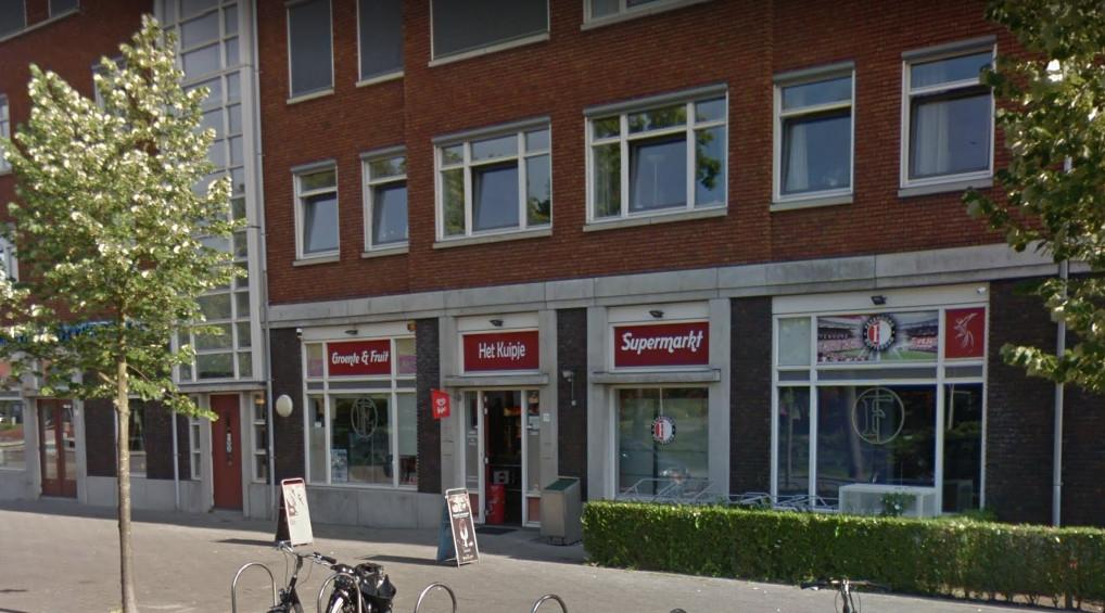 Supermarkt Het Kuipje is al meerdere keren overvallen. De eigenaar heeft vandaag zelf een overvaller zijn zaak uit kunnen jagen.