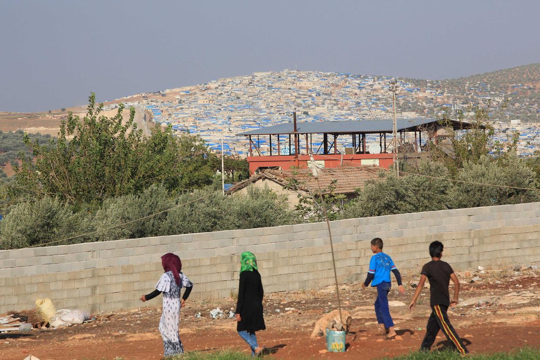 Spelen in een opvangkamp in Hatay, Syrië