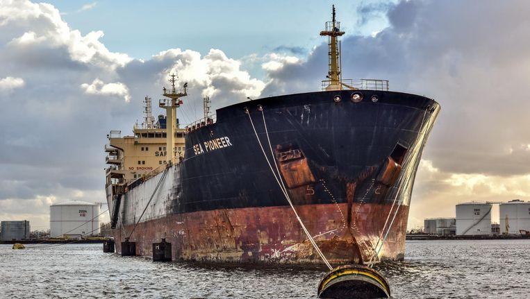 De bemanning van de Sea Pioneer wacht nog steeds op hun salaris, maar de omstandigheden op het schip zijn beter. Beeld Joris van Gennip