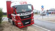 Truck rijdt zich vast aan Vertakking in Zonhoven