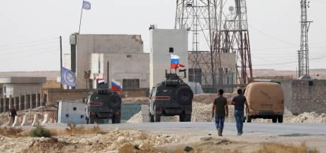 Terugtrekking Amerikanen uit Syrië verloopt chaotisch: Russen nemen VS-basis over
