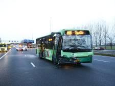 Keolis geeft fout toe na ongeluk met lijnbus op A28 bij Zwolle: 'Passagiers hadden ter plekke nagekeken moeten worden'