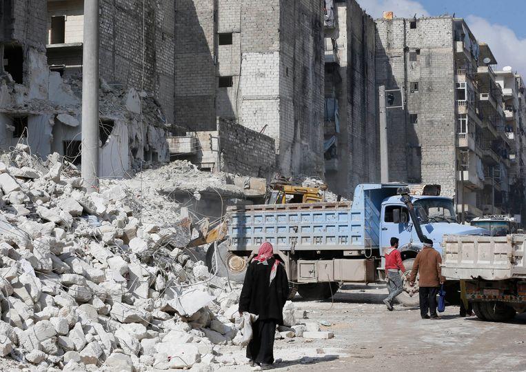Een bezoek aan Damascus, waar de herstelwerkzaamheden in volle gang zijn, staat ook op het reisprogramma.