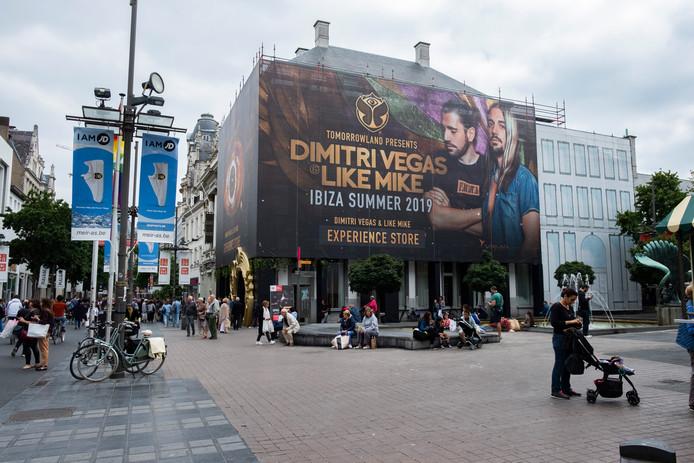 De pop-upstore van Dimitri Vegas & Like Mike.