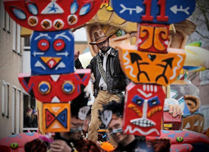 Oss carnavalt volgend jaar weer vrolijk door onder het mom van: '55 Jaor Schik Mè Mekoar'.  foto: Peter van Huijkelom