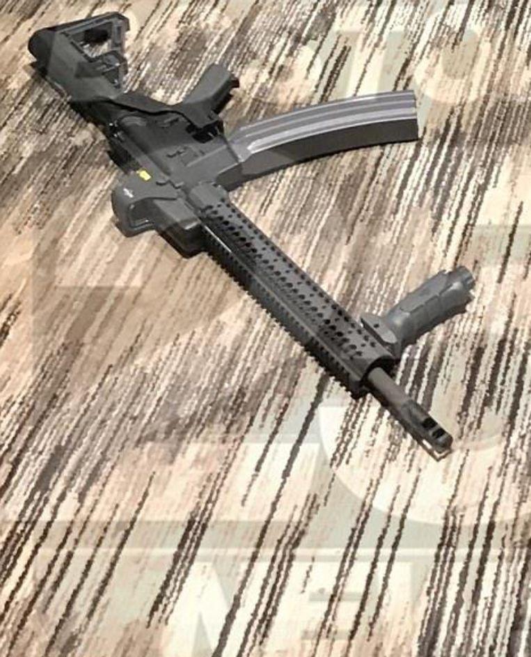 Op dit semi-automatische geweer had Paddock een zogenaamde 'bump stock' gemonteerd waardoor het volautomatisch werd.