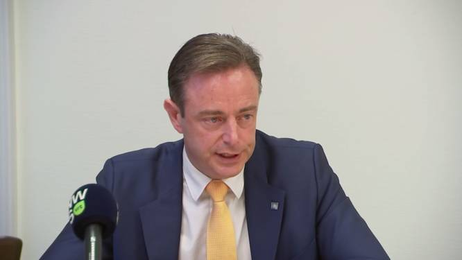 """De Wever: """"We moeten jongeren sneller uit 'mesthoop van thuisomgeving' weghalen"""""""
