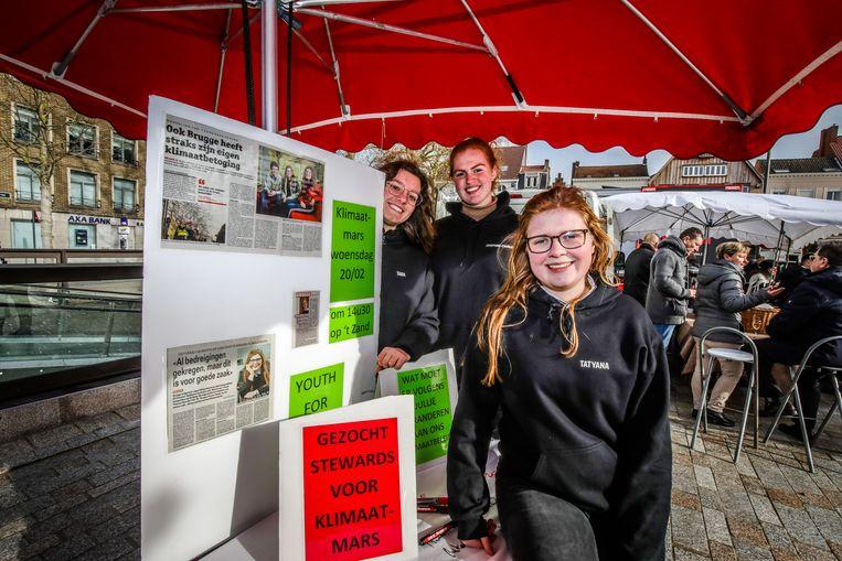 Organisatoren klimaatmars Brugge op de zaterdagmarkt