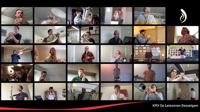 Een screenshot uit het filmpje: elke muzikant speelt van thuis uit.