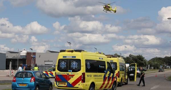 Ernstig ongeval met wielrenner op Apeldoorns bedrijventerrein: traumaheli ter plekke.