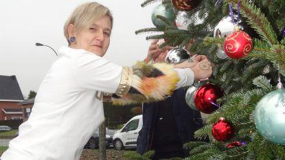 Radio P.R.O.S. hangt 1.000 kerst(wens)ballen op voor Zoë, Michel Follet is ook van de partij