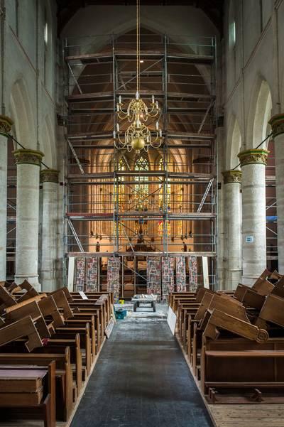 Kerk in Terheijden doormidden