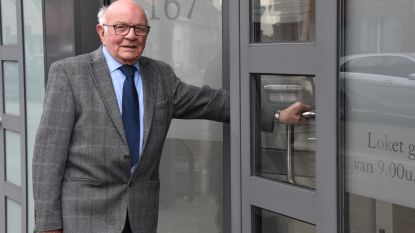 """Bert (90) werkt al 68 jaar maar denkt nog niet aan stoppen: """"Tot mijn 95ste blijven doordoen"""""""
