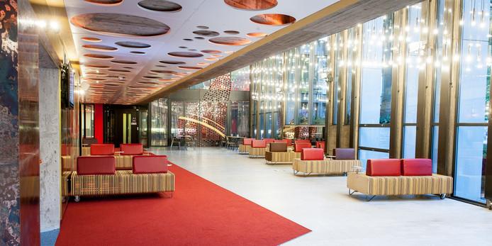 De Bijvoet en Holt Foyer van Orpheus werd vorig jaar opnieuw ingericht.
