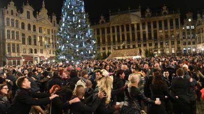 Cadeautje van Wallonië: gigantische kerstboom gekapt voor Grote Markt in Brussel