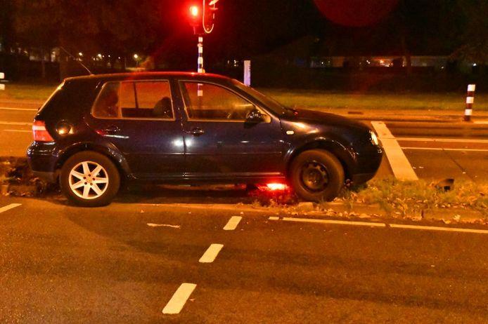 Een inzittende is gevlucht na een eenzijdig ongeval in Enschede.
