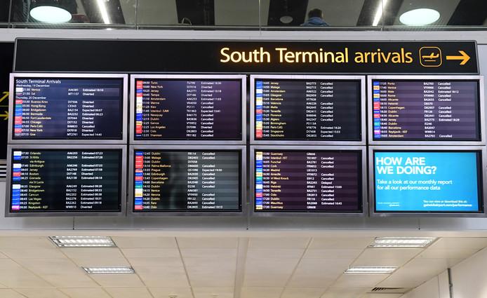Veel vluchten gingen helemaal niet, anderen werden omgeleid via andere luchthavens.