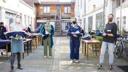 Buurtcentrum Posthof zoekt vrijwilligers om 1.000 schorten voor zorgverleners te naaien