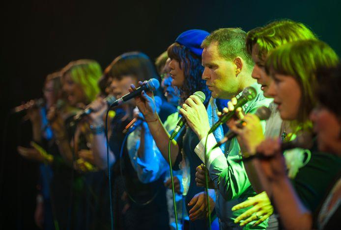 Vocal Group XXL tijdens het optreden op het Open Podium Twente in 2012.