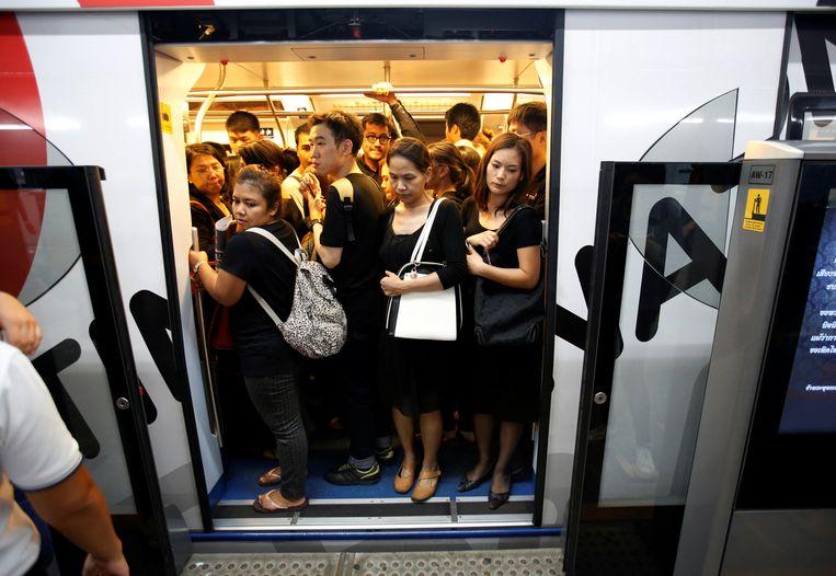 Donkere kleding in de metro. Beeld REUTERS