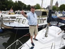 Met een boot op de eigen Linge bij Geldermalsen