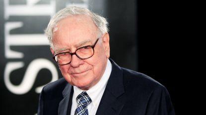 Rijkste belegger Warren Buffett weigert te panikeren ondanks coronavirus