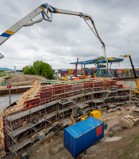 Hengelo in clinch met Dura Vermeer over vertraging bouw Boekelosebrug