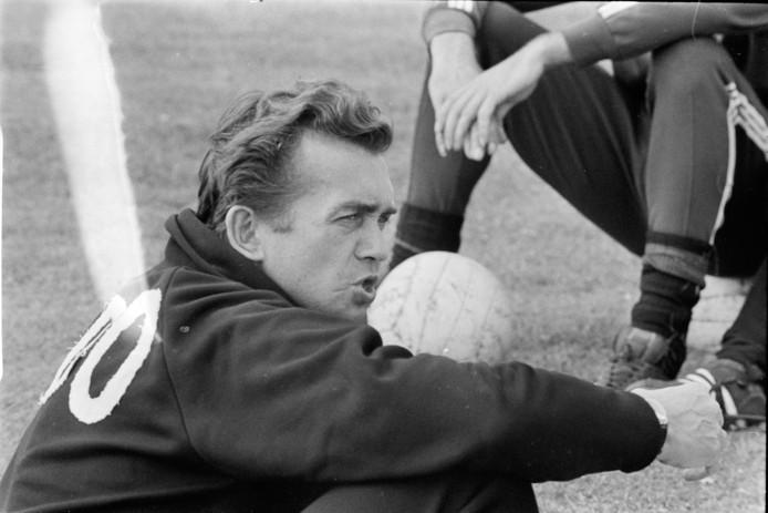 Ernst Happel  in 1968 als trainer van ADO.