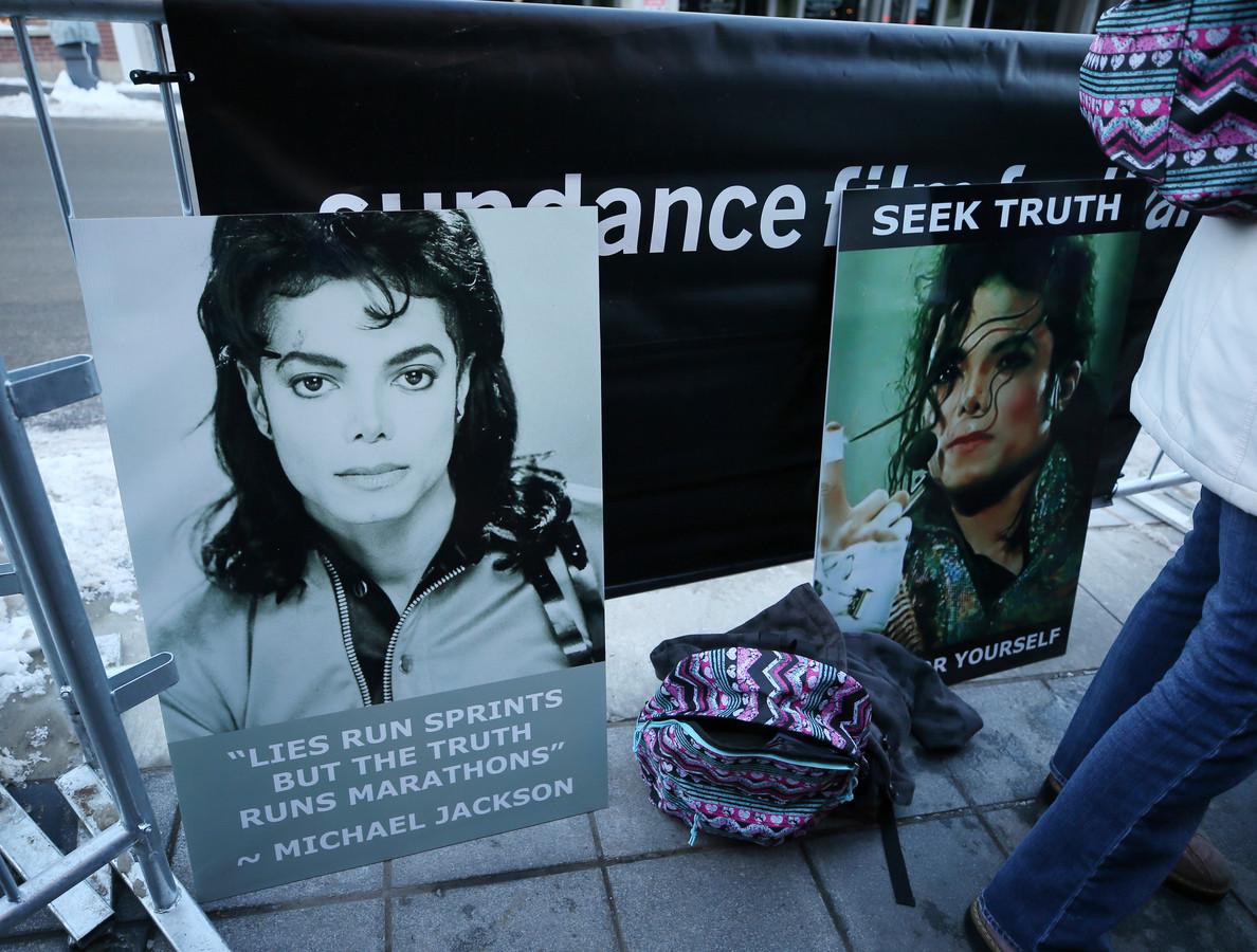 Sommige fans kwamen protesteren tegen de voorstelling.