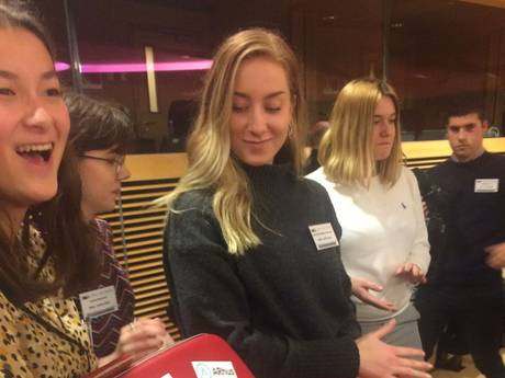 Zeeuwse jongeren bieden Europees Parlement ideeën aan