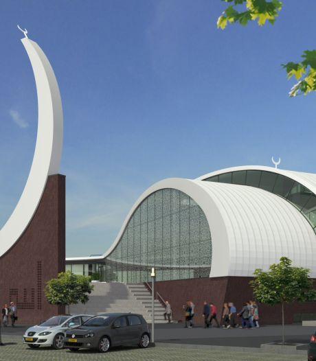 Weer bijt PVV in Enschede in het stof over verbod gebedsoproep en moskee