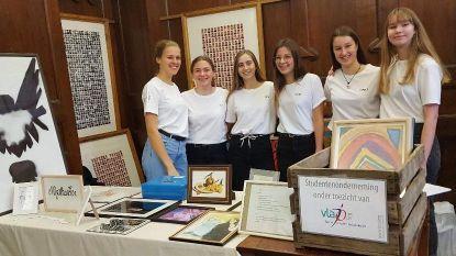 Studenten zoeken nieuwe kunstenaars