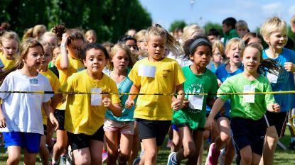 Bijna vijfhonderd kinderen wagen zich aan scholencross