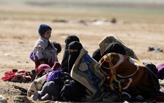 Vrouwen en kinderen van IS-strijders in Syrië worden door de Koerden in het noorden van het land opgevangen in kampen.