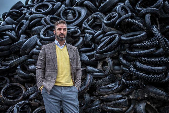 Johan Doornberg, Directeur van Doornberg Recycling voor de bandenvoorraad die 1 mei moet zijn weggewerkt.