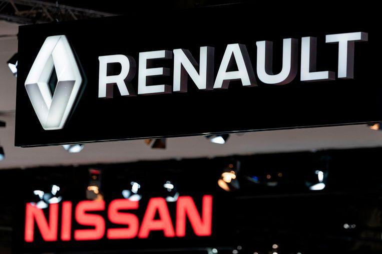 De standen van Nissan en Renault op het Autosalon in Brussel.