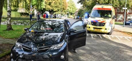 Scootmobiel kantelt na aanrijding met auto in Oisterwijk