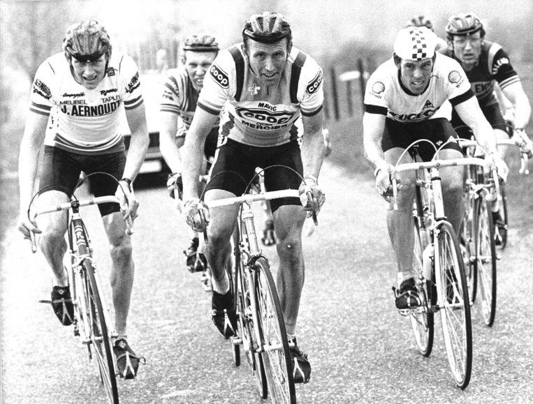 1983: Adrie van der Poel (l) in de Amstel Gold Race. Naast hem Joop Zoetemelk, Phil Anderson en Jan Raas. Beeld ANP