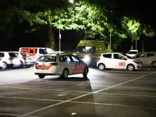 Man (25) valt van hoogte bij woning in Tiel, een persoon aangehouden