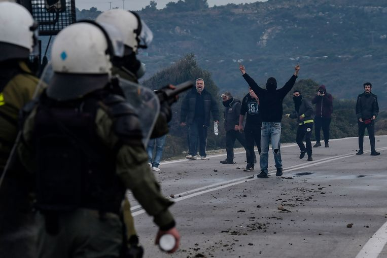 Protest van de inwoners op Lesbos tegen de bouw van een detentiecentrum voor migranten.