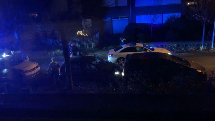 De achtervolging eindigde in de Zwemdoklei, alwaar de politie de chauffeur kon arresteren.