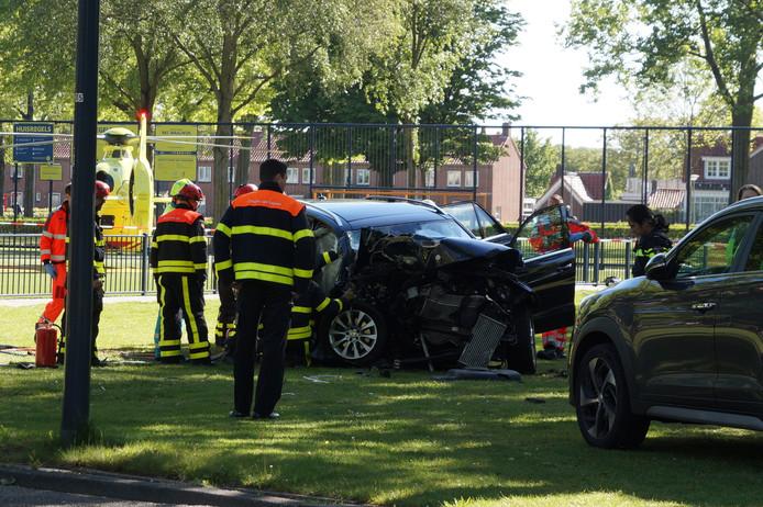 De schade na het ongeluk in Waalwijk.