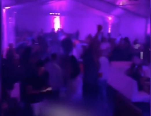 Een beeld van het feestje aan discotheek BLU Bruxelles.