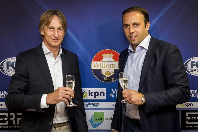 Willem II-trainer Adrie Koster (links) met Joris Mathijsen, technisch directeur van de club.