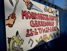 Moergestel sluist oud gereedschap via de Belsebaan in Alphen naar Afrika door