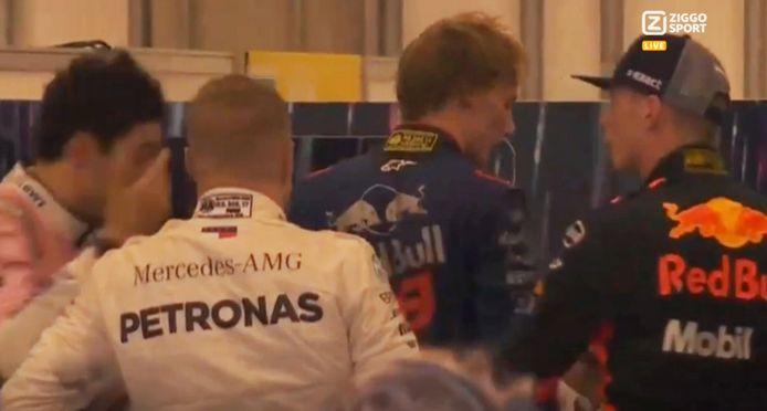 Max Verstappen heeft een confrontatie met Esteban Ocon na afloop van de Grand Prix van Brazilië.
