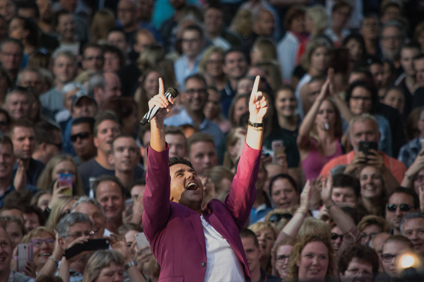 Jan Smit is opnieuw gastheer bij Muziekfeest op het Plein.