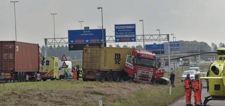 Ongeval met vrachtwagen op A16, traumahelikopter ter plaatse
