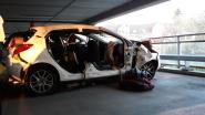 Autobestuurder en passagier gewond bij bizar ongeval