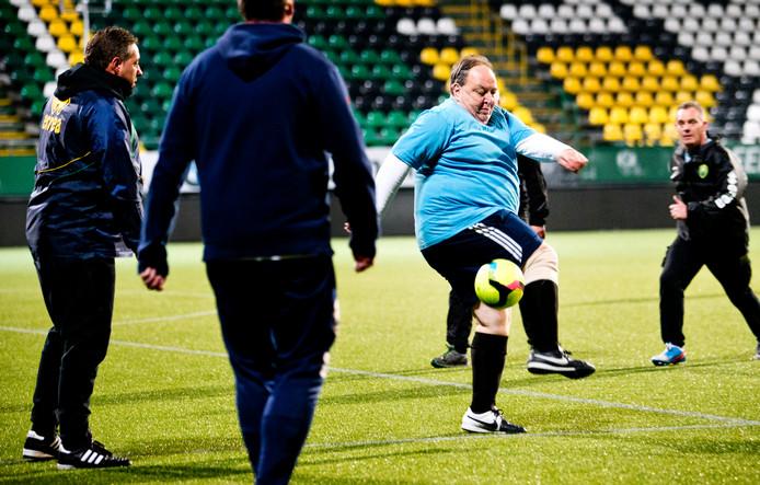 Eurofit, een Europees project om voetbalfans met overgewicht te laten afvallen
